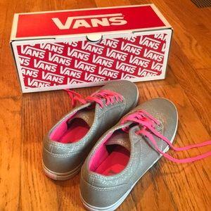 Brand New Vans Women's Size 8